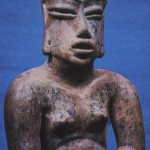 Fragment einer vorklassischen Figur aus kompaktem Ton mit Resten ehemaliger polychromer Bemalung. Im Staat Morelos gefunden. Vorklassische Periode. Etwa 800-400 v. d. Z. Höhe: 14 cm. Privatsammlung Mexiko D.F.