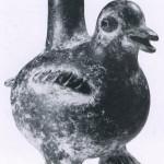 Gefäß aus schwarz-grauem Ton in Form eines Vogels. Fundort unbekannt. Tlatilco-Stil. Vorklassische Perio Etwa 1300-700 v. d. Z. Höhe: 19 cm. Galerie Andre Emmerich, New York.