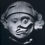 Als Vergleich eine ähnliche Skulptur wie auf Abb. 140. Hellbrauner Ton. Zapotekische Kultur. Herkunfl Oaxaca. Etwa 800-1200. Höhe: 30 cm. Museo Nacional de Antropologia, Mexiko D.F.
